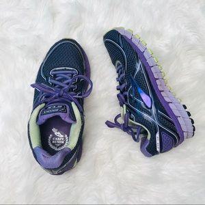 Brooks Adrenaline GTS 16 Womens Running Shoe